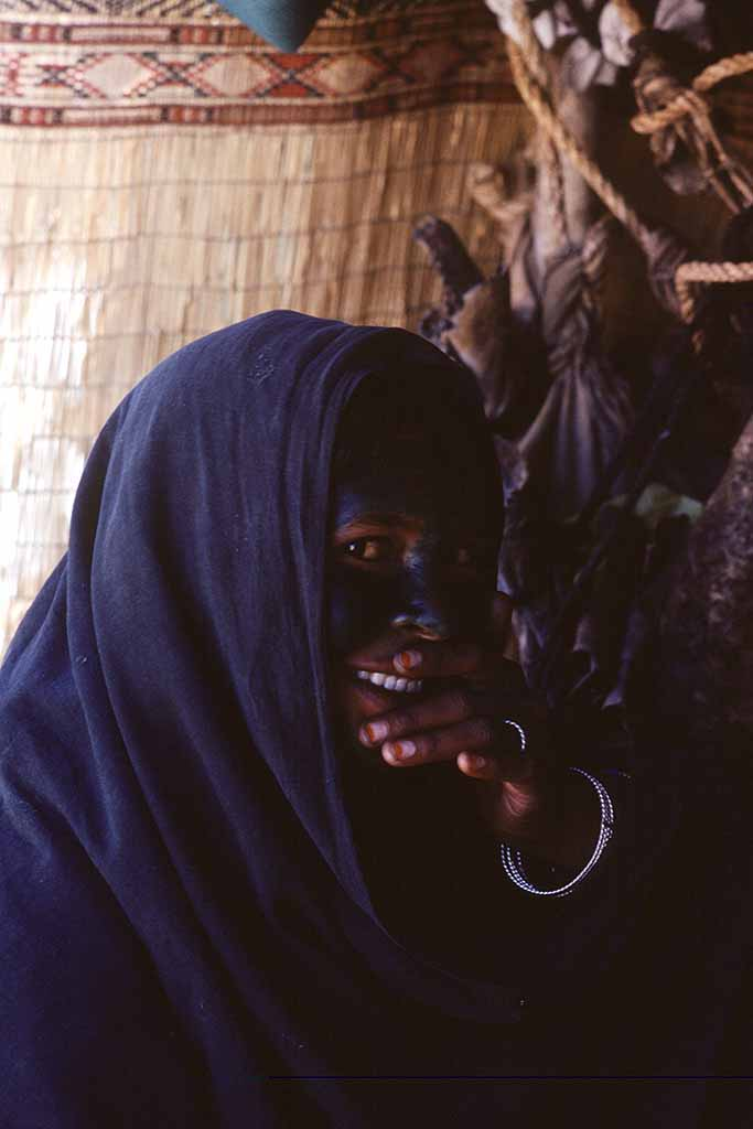Tuareg woman henna face