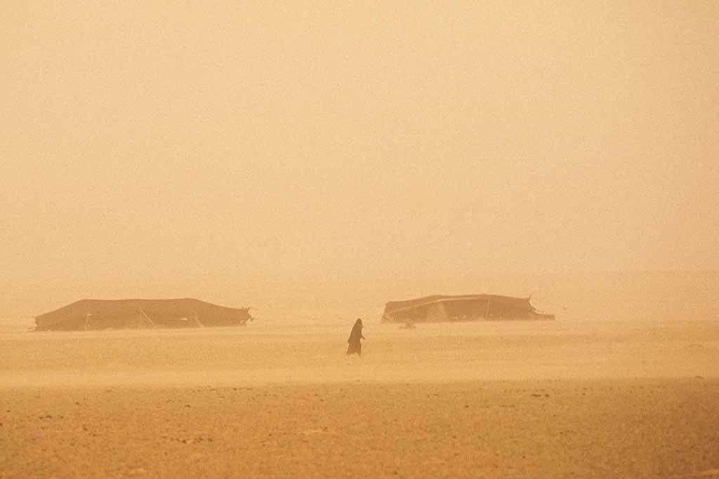 Bedouin camp in a blinding sandstorm in Saudi Arabia's Empty Quarter. W10304