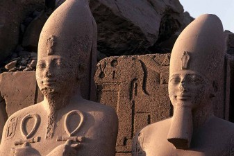Statues of Tuthmosis III and Amenhotep II at south gate, Karnak Temple, Luxor. W0189